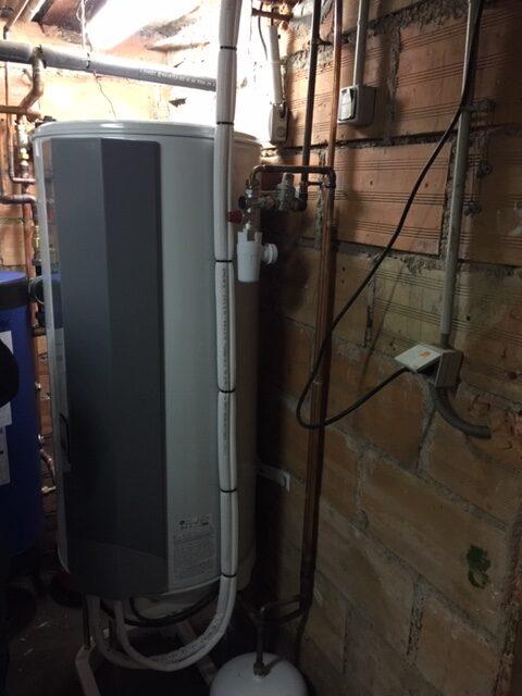 Installation d'un chauffe-eau thermodynamique par Techniclim 21