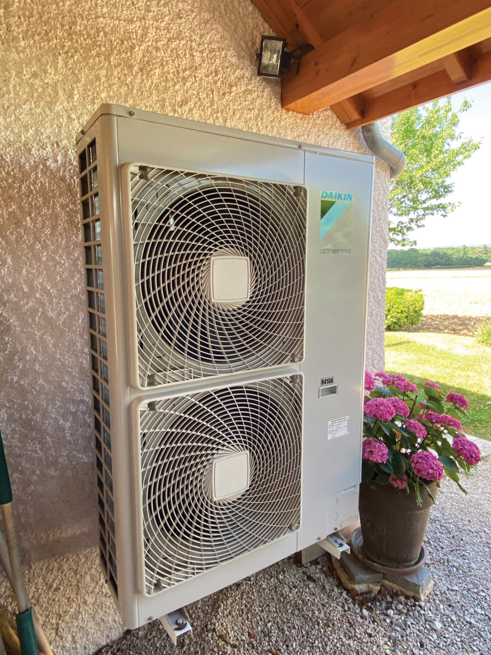 Pompe à chaleur air/eau par Techniclim 21